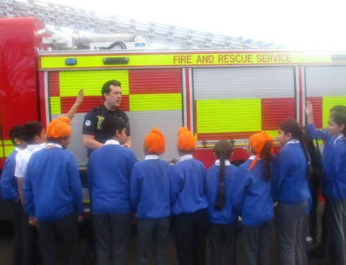 Visit by Fire & Rescue Service for Yr 5